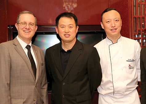 Frank Sanders, Huck Theng Chng, Steven Yang